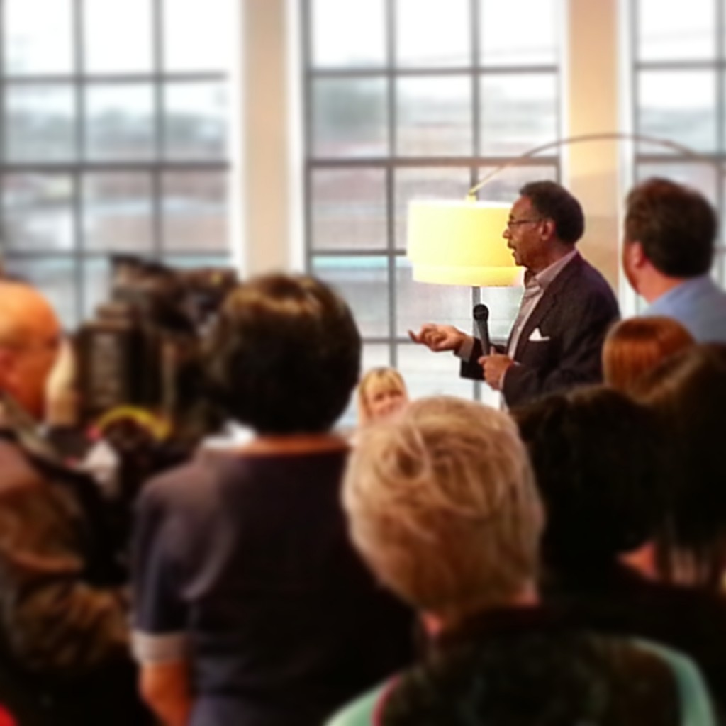 Cleaver speaks to Democrats at Clinton Office opening